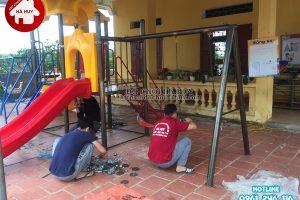 Lắp đặt nhà chòi cầu trượt – xích đu cho trường mầm non ở Quảng Ninh