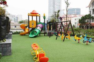 Nên lắp những đồ chơi ngoài trời gì cho sân chơi trẻ em công cộng